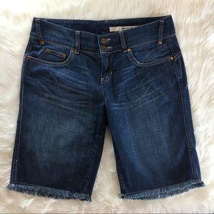 DKNY Long Denim Jeans Shorts Bermuda Style SZ 10